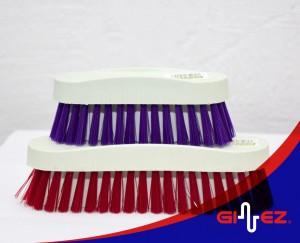 CP20 Cepillo de plástico manual chico
